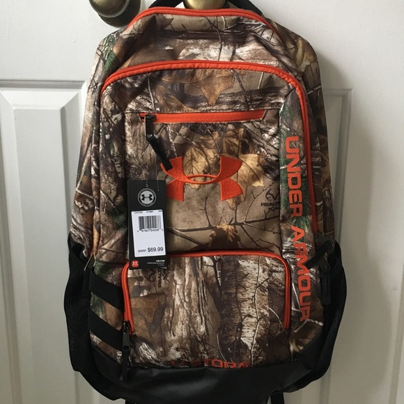 1073bc894e88 NWT Under Armour Logo Realtree Camo Backpack NWT